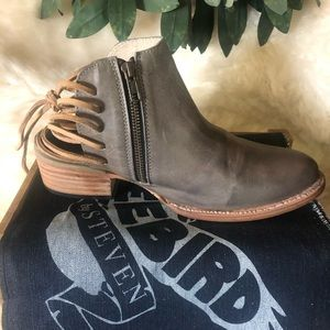 Freebird Jojo ankle boot sz 9